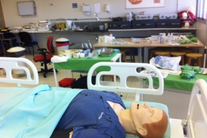 laboratorio-de-habilidades-e-simulacao-do-cuidado-0-94F8D6F52-D325-4EA2-8C4D-E90106C101D9.jpg